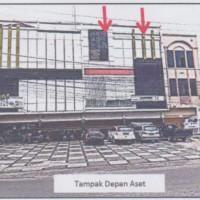 BCA BPKU, T/B terdiri 4 bidang  (SHM.336.354.337.399)  seluas 341 m2 terletak di Jl. Riau 18C-D Kel. Kampung Bandar  di Kota Pekanbaru