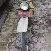 Lot 32 : Sepeda motor Suzuki A 100 100cc dalam kon ...