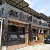 BRI Tambusai-4.  Tanah  & bangunan, luas 232 m2, SHM 136, di Perum Britain House Blok B-3, Perhentian Marpoyan, Marpoyan Damai, Pku