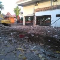 Bangunan Eks Kantor Bakesbangpol Kota Mojokerto dan Gedung Ruang Rapat Dharma Wanita dijual sebagai bongkaran