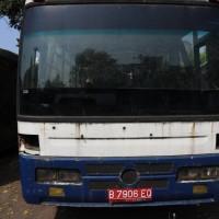 Lot.2: 1 (satu) unit kendaraan roda 6 (enam), Merk/Type Toyota Dyna Long (Scrap), Tahun 1999, Nopol B.7906 EQ