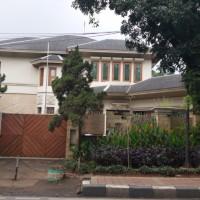 2 bidang tanah dengan total luas 1410 m<sup>2</sup> berikut bangunan di Kota Jakarta Timur