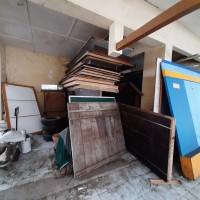 KPPBC Tipe Madya Cukai Kudus : 1 (satu) paket BMN berupa inventaris kantor dalam kondisi rusak berat dan apa adanya