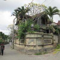 Tanah seluas 220 m2 berikut bangunan, SHM No. 5238, di Padangsambian Kaja, Denpasar Barat, Kota Denpasar (BCA Kanwil IV Makassar)
