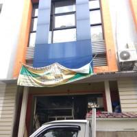 Hidayat Adiwinata : sebidang tanah dengan total luas 50 m2 berikut bangunan di atasnya, SHGB No. 3943, lokasi : Sepinggan, Kota Balikpapan