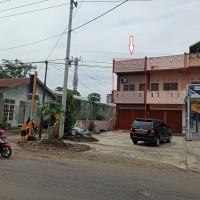 2. Sebidang tanah dengan total luas 96 m2 berikut bangunan diatasnya terletak di Jalan Hibrida Raya Kota Bengkulu