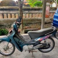 Lot. B.5 1 (satu) unit Kendaraan roda 2 merk Suzuki/RC 100 S, Tahun 1998, No.Pol DK 6366 (sekarang menjadi DK 3481 A) (BPKAD Prov. Bali)