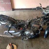 Lot 8 : 1 (satu) Unit Sepeda Motor, Merk/Type Suzuki EN 125 A, Nopol DR 2249 J (BPTP NTB)