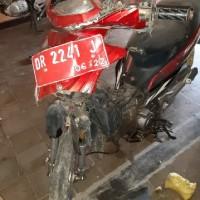 Lot 12 : 1 (satu) Unit Sepeda Motor, Merk/Type Suzuki FL 125 SD, Nopol DR 2241 J (BPTP NTB)