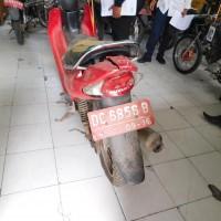 6. Sepeda Motor Suzuki Smash / FD 110X0SD Nopol DC 6856 B di Kabupaten Majene