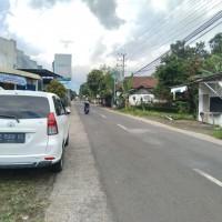 BPR ADY 4) Sebidang tanah dan bangunan SHM Nomor : 3013 Luas Tanah 470 M2  terletak di Desa Genteng Wetan, Kec. Genteng, Kab. Banyuwangi