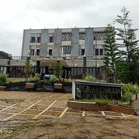 2 bidang tanah dengan total luas 1379 m2 SHM 00478 dan 00479, berikut bangunan di Kabupaten Luwu Timur