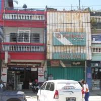 dua bidang tanah dan bangunan di jual 1 paket, total luas 151 m2, SHM No. 00131 dan SHM. No. 00132, Kota Kendari