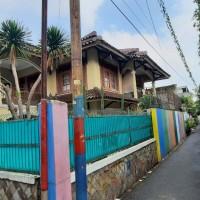 1 bidang tanah dengan total luas 303 m<sup>2</sup> berikut bangunan di Kota Jakarta Timur