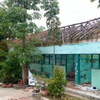 Bongkaran Bangunan Gedung Pendidikan Permanen Seluas 424 m2 di Kabupaten Pamekasan