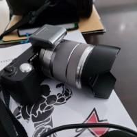 Camera SLR Sony NEX-5 Lens 18-55 di Kota D U M A I