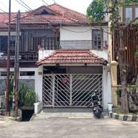 Sebidang tanah SHM No.938 luas 448 m2 berikut bangunan diatasnya terletak di Kel.Gunungsari, Kec.Dukuh Pakis  Surabaya