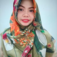 Ninano.label (Lot 6) Sebuah Hijab Printing Watercolor warna Hijau Army Bahan Voal Ultrafine Size 115x115 cm Pinggiran Laser Cut Eksklusif