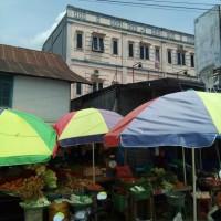 1. sebidang tanah dengan total luas 309 m2 berikut bangunan  SHM No. 1418/Anduonohu di Kota Kendari