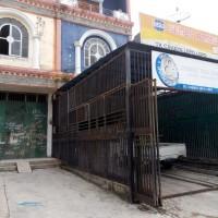 4. sebidang tanah dengan total luas 213 m2 berikut bangunan SHM No. 02513/Lepo-Lepo  di Kota Kendari