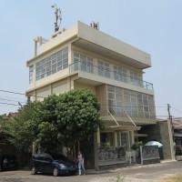 J Trust : 1 bidang tanah dengan total luas 162 m2 berikut bangunan di Kota Yogyakarta