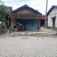 BRI Ngawi - 1. Tanah seluas 580 m2 berikut bangunan SHM No. 452 di Desa Katikan, Kec. Kedunggalar, Kab. Ngawi