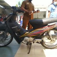 Pemkot Pekanbaru-16.  Sepeda motor merk/type Honda, NF 100, Nopol BM 2620 AP, Tahun 2002, dokumen  BPKB dan STNK tdk ada