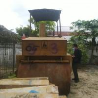 (Pemko Pekanbaru-93) 1 paket barang scrap terdiri empat unit eks alat berat jenis Macadan Roller/Tree Wheel Roller merk Barata berbagai tipe
