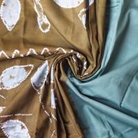 1. Kain Sasirangan Motif Daun Kombinasi Warna Hijau Daun dan Hijau Olive Pewarna Sintetis Jenis Kain Katun ukuran 2 m x 2 m di Kabupaten Ban