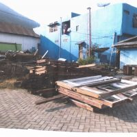 1 (satu) Paket Barang Bongkaran Bangunan Gedung Kantor Permanen, Kondisi Rusak Berat (KUPP Larantuka)