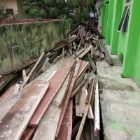 1 (satu) Paket  Bongkaran BMN Berupa Material Bongkaran Gedung Kantor