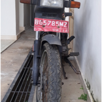 1 (satu) unit Sepeda Motor Merk/Type/No. Polisi Honda/GLP II BG 5785 MZ