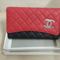 1 unit dompet wanita merk Channel Paris
