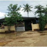 1 bidang tanah luas 450 m2 berikut rumah tinggal dan rumah sewa di Kelurahan Maro, Kecamatan Merauke, Kabupaten Merauke