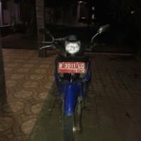 Lot 4: Sepeda Motor Honda/ NF 100 TD Nomor Polisi B 3011 UQ Tahun 2008 (Warna TNKB Merah)