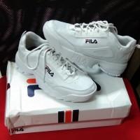 1 (satu) pasang sepatu wanita size 37 merk Fila