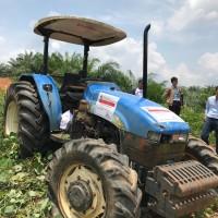 KPP Pratama Bangko melelang 1 unit new Holland Tractor c/w Canopy & Fuel Pro Model TD90-4WD Tahun 2014