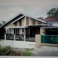 1 paket terdiri atas 2 bidang tanah (luas 150 m2 SHM No.797 & luas 146 m2 SHM No.742) berikut bangunan di Kel Gunung Samarinda, Balikpap