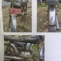 1 (satu) unit sepeda motor Yamaha L2S, warna hitam,tahun 1992,nomor rangka : L2S-151874.K, nomor mesin : IEG.018400, nomor polisi : DA 795 E