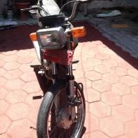 Satu unit sepeda motor merek Honda MCB, tahun 2004, warna hitam, nopol AG 3293 PP