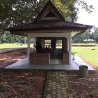 Balai Pelestarian Cagar Budaya Jambi Melelang Bongkaran gedung pos jaga yang akan di bongkar