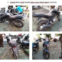 Lot 7 : Sepeda motor Yamaha merk Vixion warna hitam Nopol. A 6125 SA