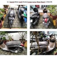 Lot 12 : Sepeda motor merk Honda Scoopy warna hitam-Nopol. A 3562 RP