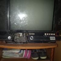 """Televisi Merk LG 32"""" Rusak Berat Made"""