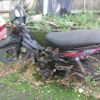 58. Pemkot: 1 (satu) unit sepeda motor Yamaha V110 (F1) ZE tahun 1994 Nopol DR 2055 AK