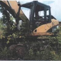 1 unit Alat Berat merk/type Caterpillar Hydraulic Excavator 320D, dalam kondisi rusak berat/scrap (besi tua)