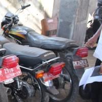 Pemkab Buleleng (22-05)2d :  1 (satu) unit Kendaraan Roda Dua, merk/type Honda Win, Tahun 1993