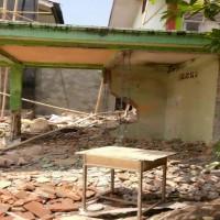 1 paket sisa bongkaran BMN milik Madrasah Aliyah Negeri 2 Makassar dalam kondisi rusak berat