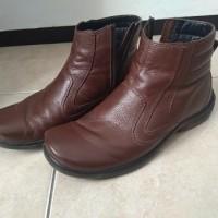 [Sukarela]1 (satu) pasang sepatu boots merk Playboy warna coklat ukuran 39 kondisi bekas pakai
