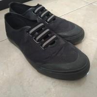[Sukarela]1 (satu) pasang sepatu sneaker pria merk airwalk warna hitam ukuran 40 kondisi bekas pakai
